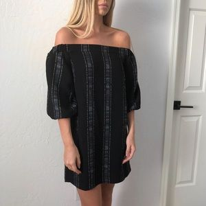 Collective Concepts Off-The-Shoulder Shift Dress